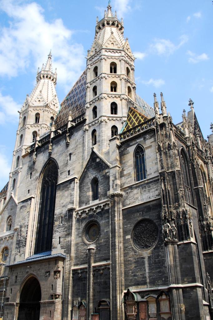 Puerta de los Gigantes y Torres Paganas - Catedral de San Esteban